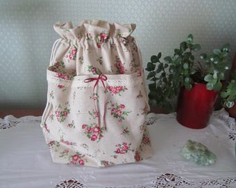 Flowery linen pouch