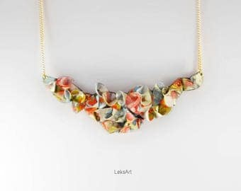 Gold plated petals Yoshino cherry 染井吉野 fly Origami necklace