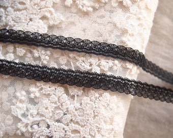 Fine cotton trim lace soft black 1 cm