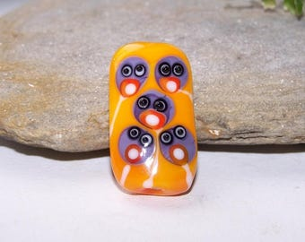 Large art glass bead ' strip of ostriches ;-) '