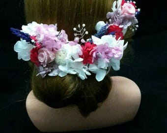 Back crown of preserved flowers and crystals