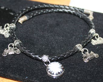 MAN LEATHER NECKLACE