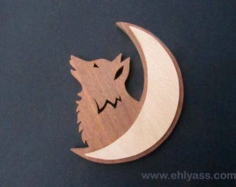 Wolf wall sculpture by Ehlyass fretwork