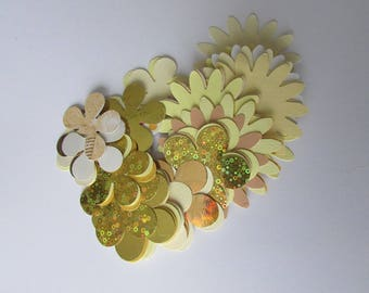 Bag of 50 flower embellishments