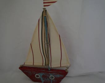 Rustic sailing boat made from recycled and found items: Hand Crafted Driftwood Art Boat