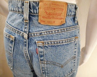 Vintage Levi Jeans 550/waist 28/ high waisted, tapered leg, mom jeans