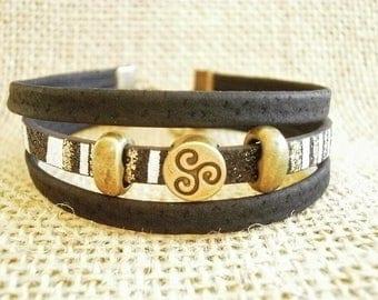 Bracelet multi-row leather, black, white and gold, laitonnees beads, size 19 cm