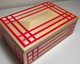 Sugar box style red gingham without clasp