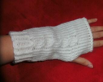 Fingerless gloves in wool or wool wrist warmers