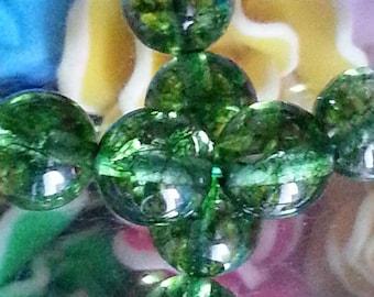 20 beads of quartz olivine 8 mm in diameter, hole 1 mm