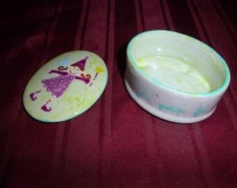 White ground porcelain fairy jewelry box/box