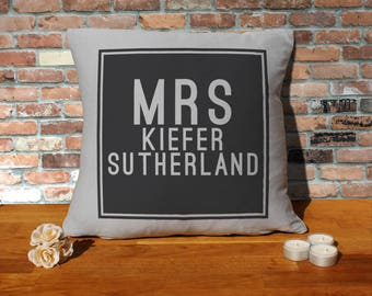 Kiefer Sutherland Pillow Cushion - 16x16in - Grey