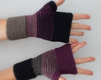 knitted mittens hand dark lilac grey marronne and Navy