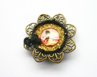Brooch retro romantic girl with the wind