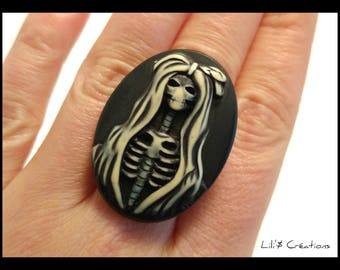 Ring XL ghost woman black and white - adjustable