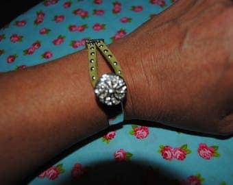 Bracelet with round rhinestones