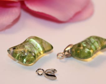 Set of 2 Charms charms 20mm Green Crackle glass beads