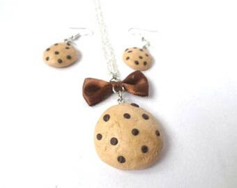 Set in polymer clay chocolate chip cookies