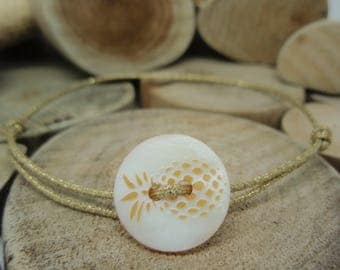 Pineapple button bracelet