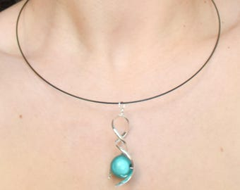 Green magic Pearl spiral pendant necklace