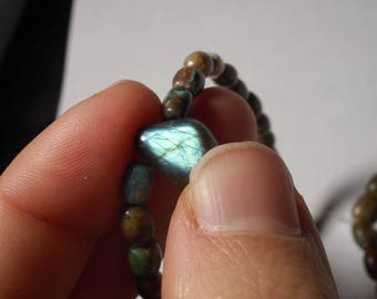 Bracelet in turquoise from Arizona (US) and labradorite pendant