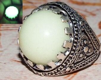 arabic 925 sterling silver men ring Natural green lightning in dark