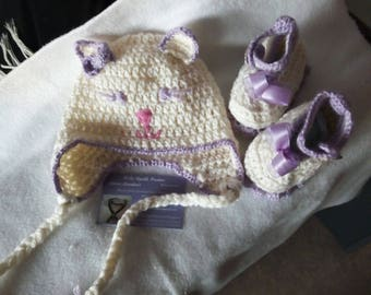 Set hat and booties