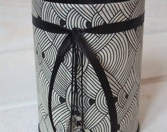 Pencil holder (No. 108) black and gray
