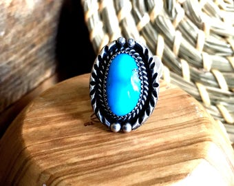 American Indian turquoise from the Southwest. Vintage, blue silver ring size 6 1/2
