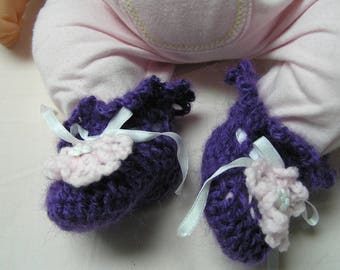 Booties 0-3 months for baby purple and pink crochet flower