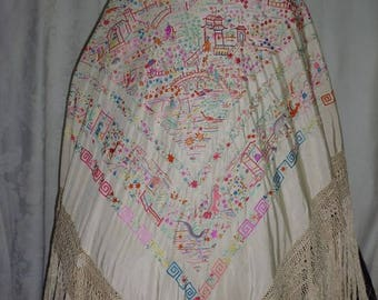 Old thousand Chinese shawl