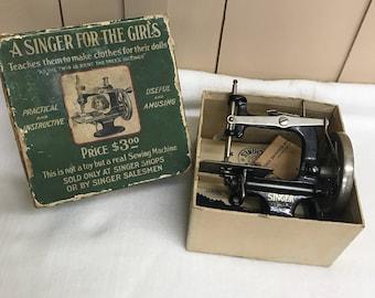 1910 Singer Sewing Machine Model #20