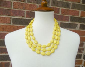 Vintage 90s Yellow Beaded Necklace-Bright Yellow Necklace-90s Necklace-Chunky Necklace-Vintage Jewelry-Statement Necklace-Costume Jewelry