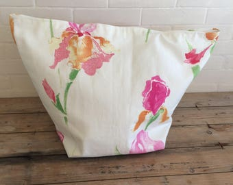 Large IRIS Beach tote bag