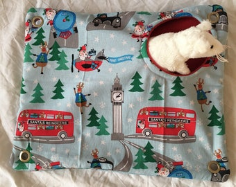 Small animal peekaboo hammock - cartoon Christmas pattern