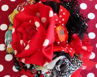 "Brooch Shabby Chic ""PAQUITA"" black and red, Bohemian, espagnolade and gitanerie"