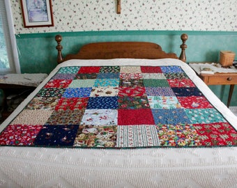 Christmas Patchwork Quilt- Holly Berry Backing