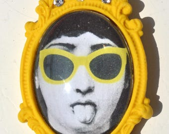 "Brooch yellow pattern ""Lina - tongue"""