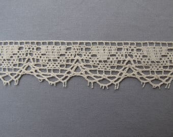 lace Ecru border sold in sets of 5 m