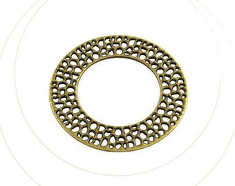 A round pendant silver metal nickel free, diameter 5 cm, thickness 2 mm