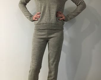 Costume, knitted, sport suit