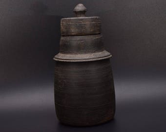 Handmade Vessel Cover Tibetian Wooden Vessel Tibetian Milk Pot ANCIENT OLD  POT vintage