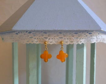 Clover apricot earrings and gold