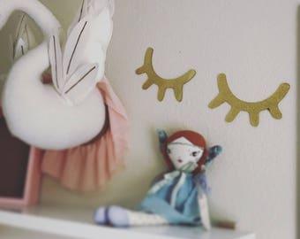 Eyelash bedroom wall decal - nursery decor