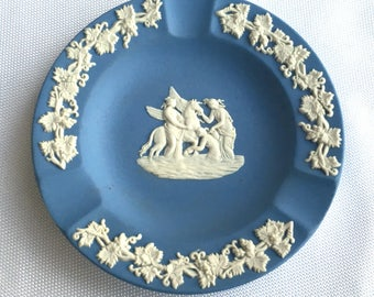 "Vintage Wedgwood Blue & White 4.5"" Ceramic Pottery Porcelain Ashtray Jasperware"