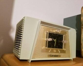 1950s Cavalier Tube Radio