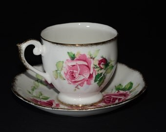 QUEEN ANNE, 'Lady Margaret', Fine Bone China, tea cup and saucer, featuring large pink and dark red roses, thick gold border,England,Vintage