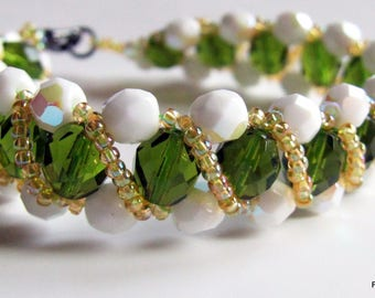 Bracelet green and white iridescent faceted Crystal beads