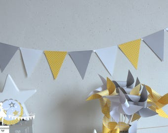 12 yellow Bunting - white and grey - 155cm