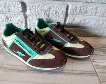 Womens Vintage KangaRoos sneakers, retro tennis shoes, Roos, athletic shoes, brown green tennis shoes, vintage tennis shoes, women shoes